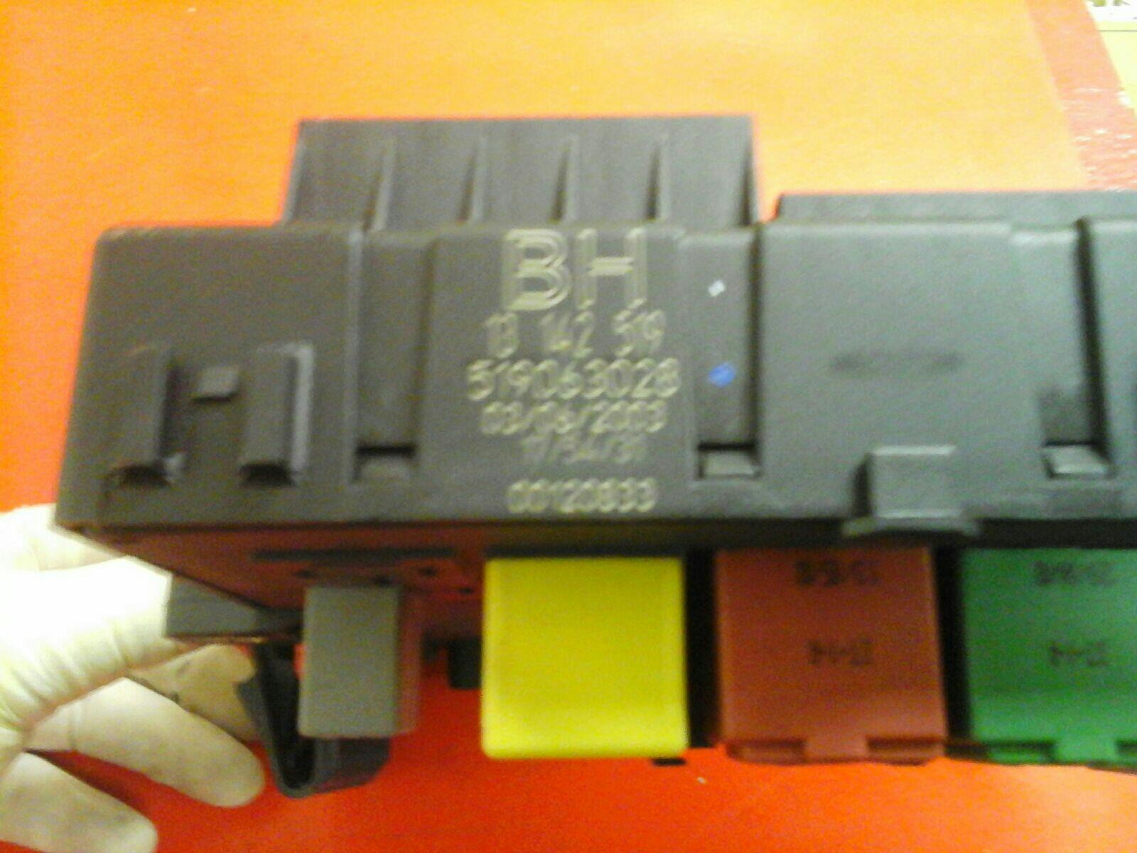 hight resolution of signum vauxhall vectra c rear electric control rec fuse box bh 02 09