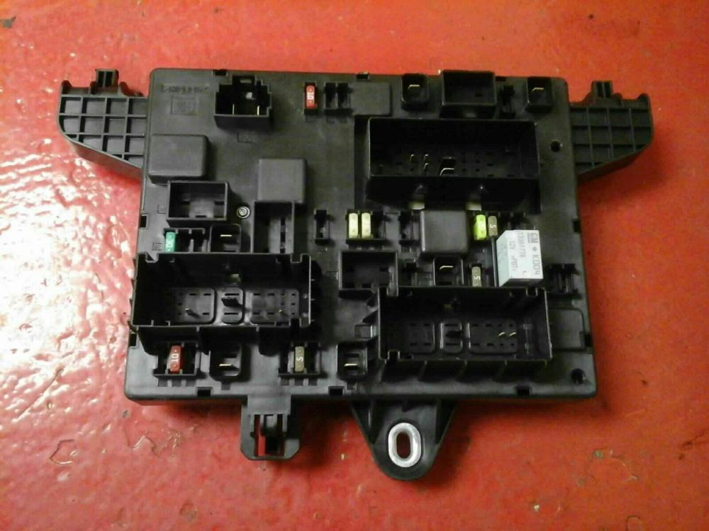 medium resolution of vauxhall astra j mk6 rec rear fuse box 2010 2015 365927271 uj ident