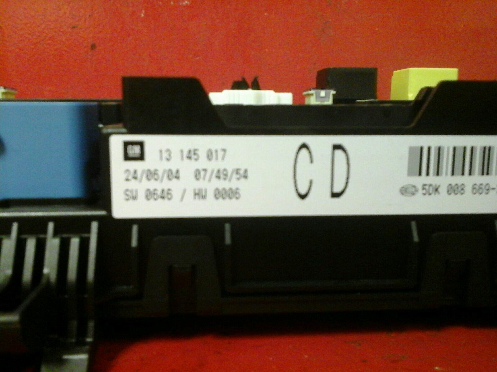 hight resolution of vauxhall astra h mk5 zafira b rear electric control rec fuse box cd 04
