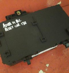 vauxhall astra h mk5 zafira b rear electric control rec fuse box cd 04 10 [ 1600 x 1200 Pixel ]