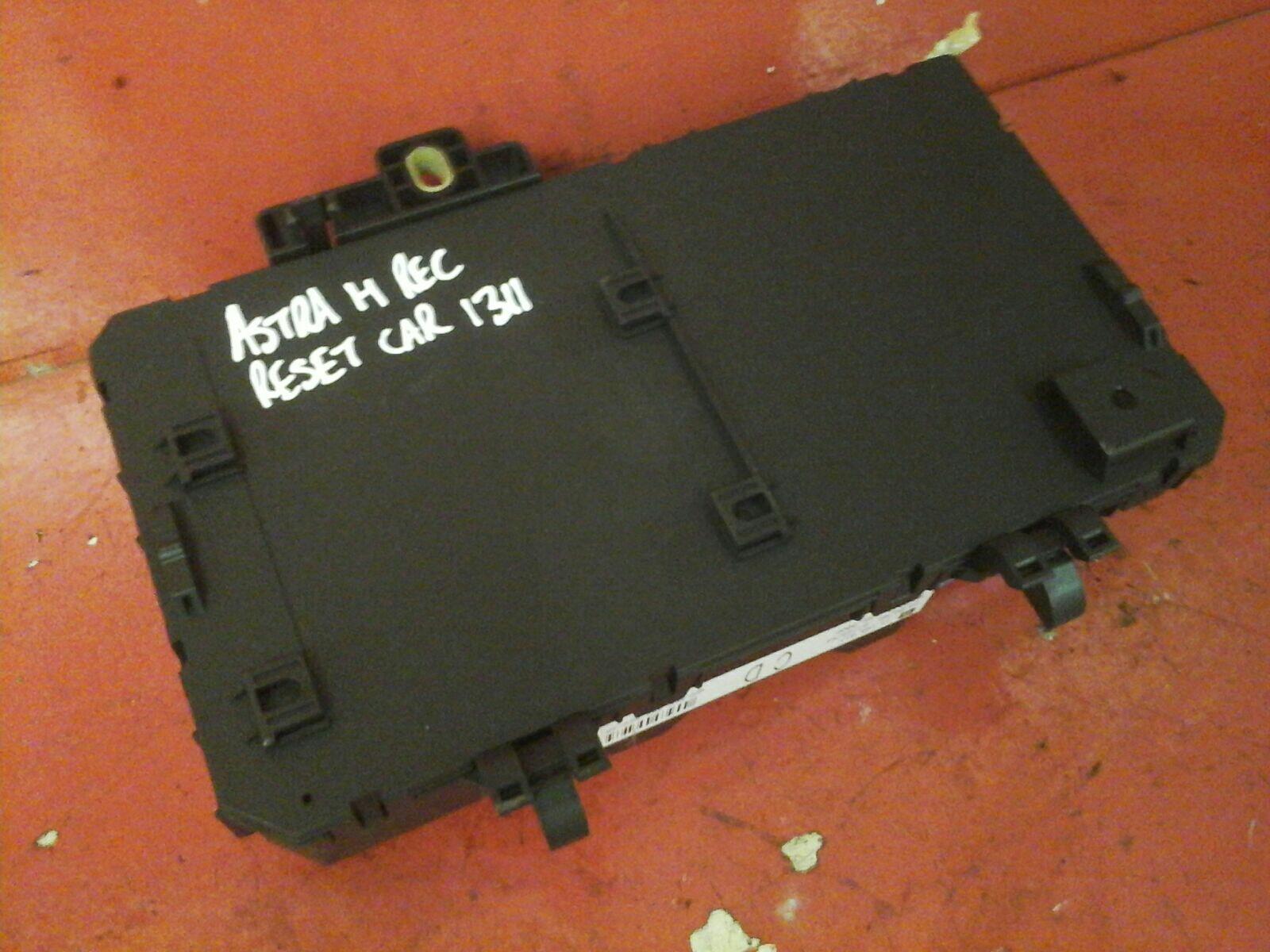 hight resolution of vauxhall astra h mk5 zafira b rear electric control rec fuse box cd 04 10