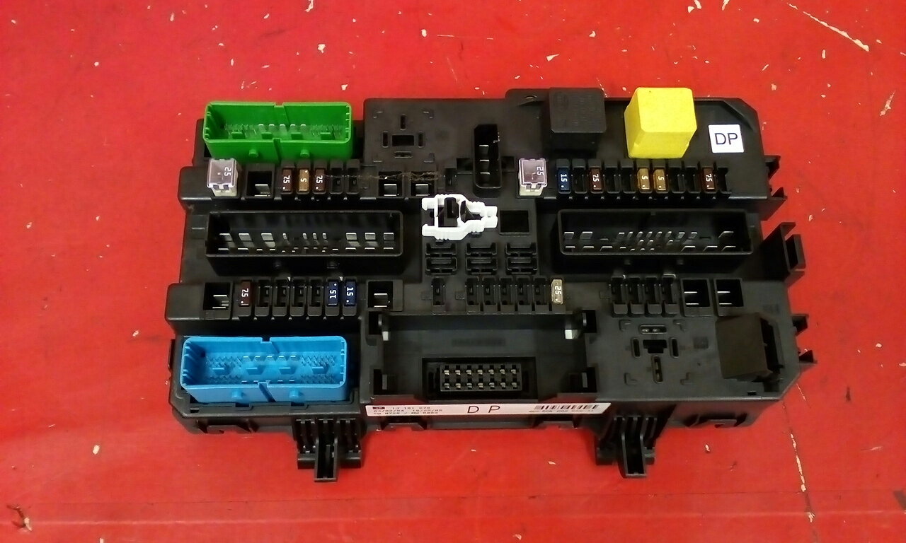 hight resolution of vauxhall astra mk5 h zafira b rear rec fuse box dp 13181278 2004 2010