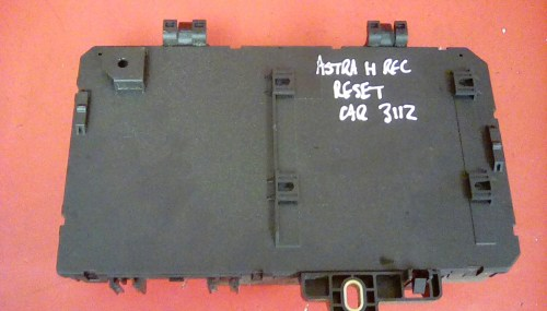 small resolution of vauxhall astra mk5 h zafira b rear electric control rec fuse box dp 04