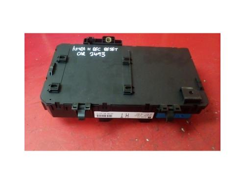 small resolution of vauxhall astra mk5 h zafira b rear electric control ht rec fuse box 2004