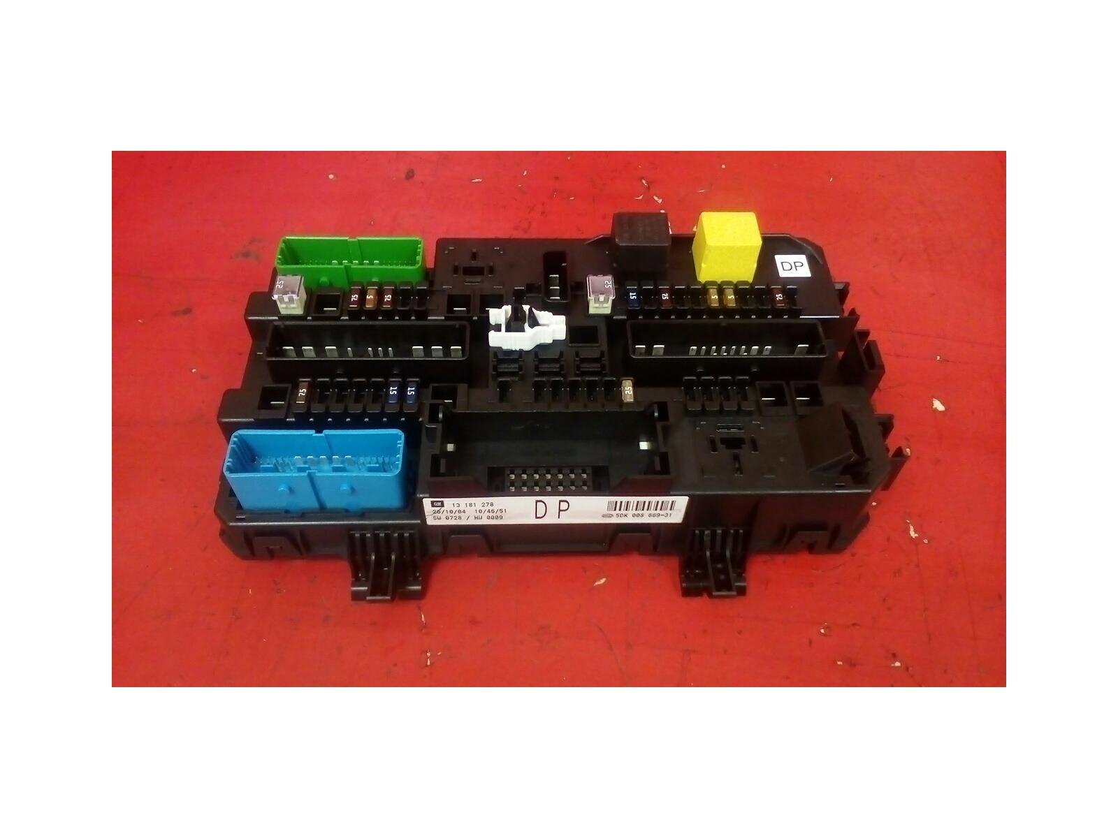 hight resolution of vauxhall astra mk5 h zafira b rear electric dp control rec fuse box 04