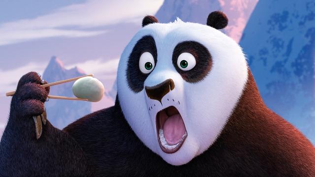 """Desta vez, mestre Shifu tem como principal ensinamento fazer com que Po aprenda a técnica de dominação do chi, uma espécie de """"energia vital"""". Porém, o atrapalhado panda acaba se desconcentrando com a chegada do pai de sangue, o panda Li, que o carrega para a vila secreta dos pandas – aguçando o ciúme do Sr. Ping, o """"pai"""" ganso de Po. Em paralelo, o poderoso touro Kai, o coletor, um centenário inimigo do mestre Oogway, reúne forças para voltar para o mundo dos vivos e tomar o que ele acha que é dele por direito. Caberá a Po e seus amigos impedir o maléfico plano do vilão."""