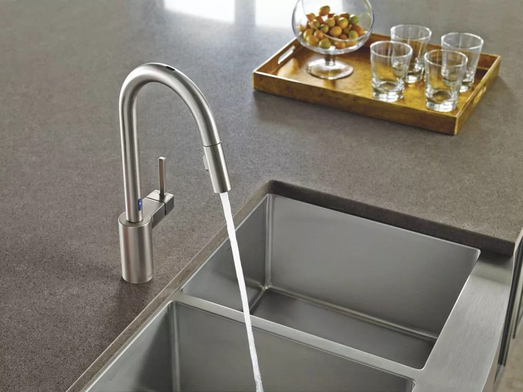 moen kitchen cart with wine rack 7565esrs spot resist stainless align metal touchless pullout spray high arc faucet spout swivel motionsense and reflex technology