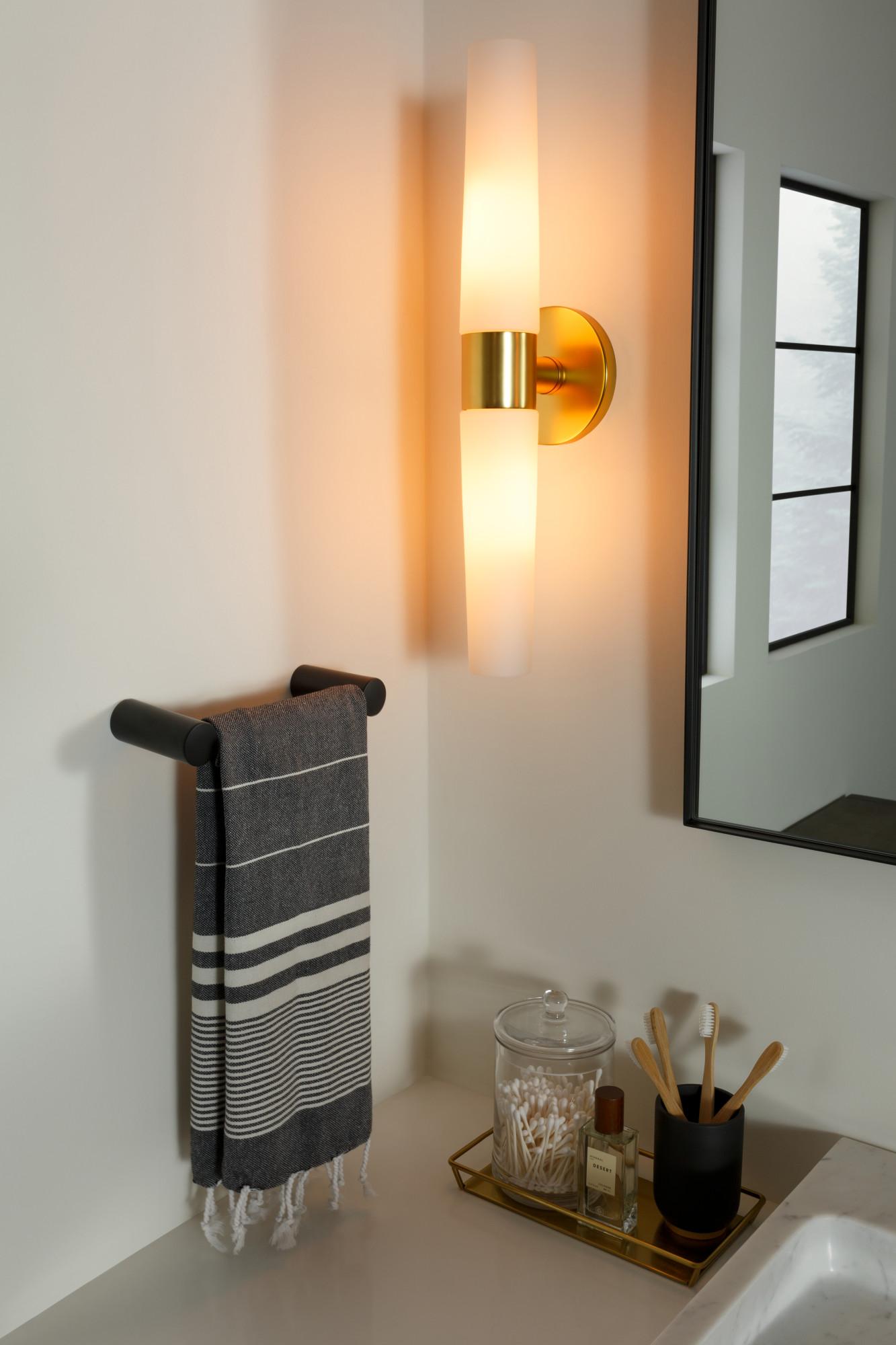 light bath fixture saber