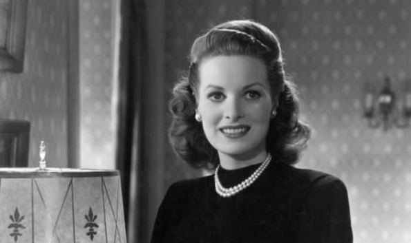 Image result for Miracle on 34ths Street Maureen O'Hara    Iconic Christmas Looks