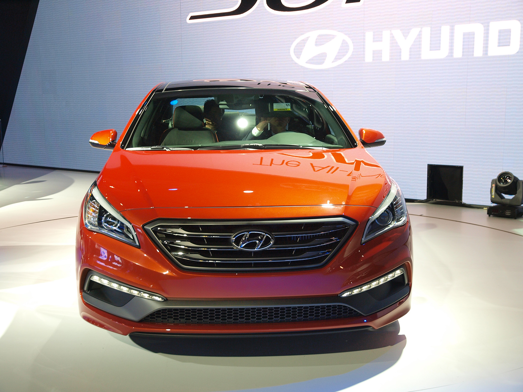 Hyundai Sonata 2015 Fuse Box Diagram Auto Genius Car Photo 2008 Azera 2014 Information Makes Show Debut In New York Paul Tan