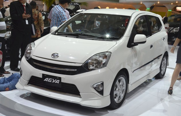 interior new agya trd velg grand veloz 1.5 toyota makes it a double debut at iims