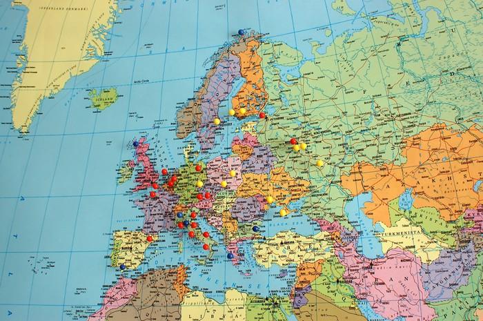 Aufkleber EuropaKarte mit Reise Pins  Pixers  Wir