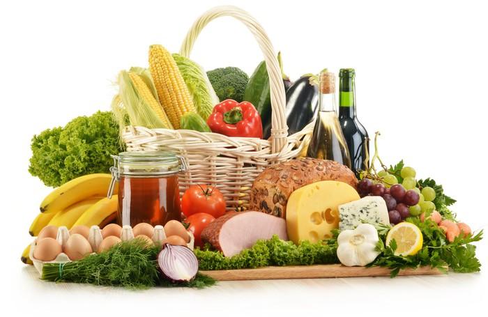 Aufkleber Zusammensetzung mit Lebensmitteln im Weidenkorb