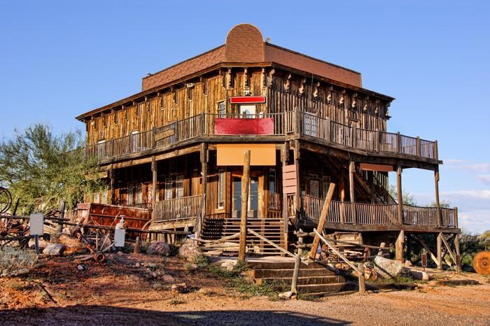 Fotobehang Old Wild West gebouw in een spookstad in Arizona  Pixers  We leven om te veranderen