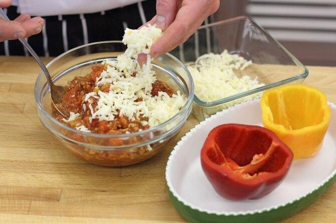 Экспресс фаршированный перец с копченым сыром
