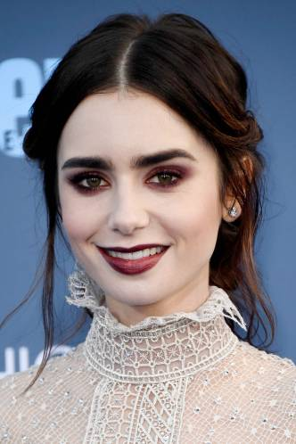 Burgundy eyeshadow is beautiful for dreamy makeup looks!