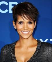 celebrities with natural hair color