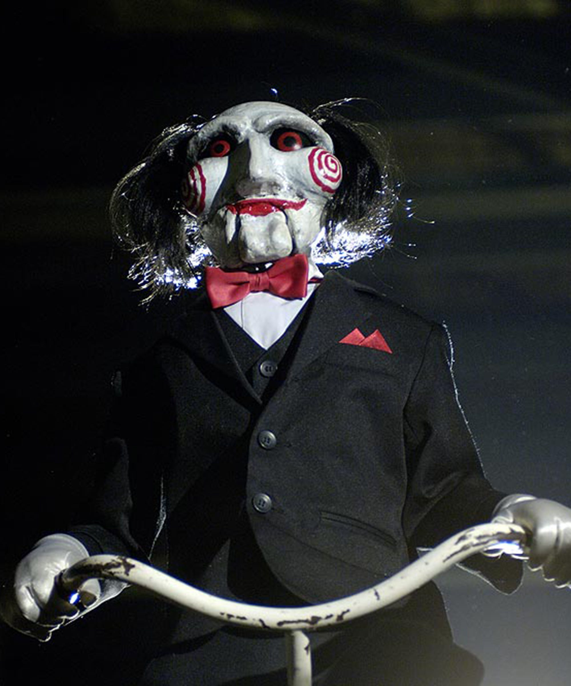 Many of us put off planning a halloween costume only to realize suddenly that halloween is just days away. Scary Halloween Costumes Inspired By Horror Movies 2018