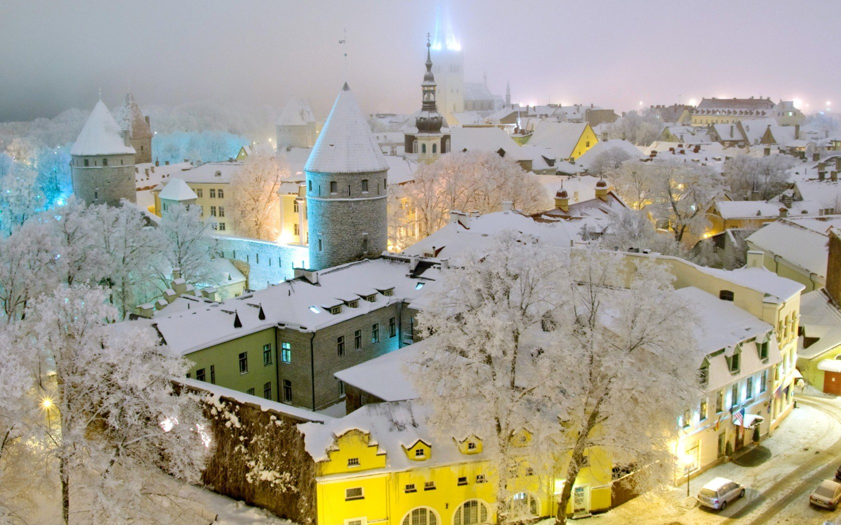 15 Beautiful Places Around The World Which Turn Into Snowy