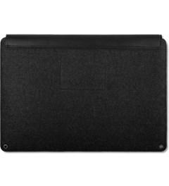 "MUJJO Black 13"" Macbook Air & Pro Retina Sleeve Model Picture"