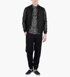 SOPOPULAR Black/White ILAN Shirt Model Picture