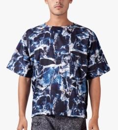 Études Studio Navy Marble Powder S/S T-Shirt Model Picutre