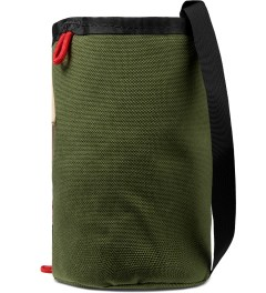 TOPO DESIGNS Olive Clinch Bag Model Picture