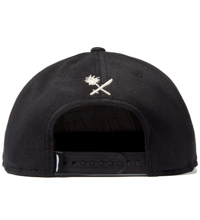 Black Magnum Fleece Snapback Ballcap