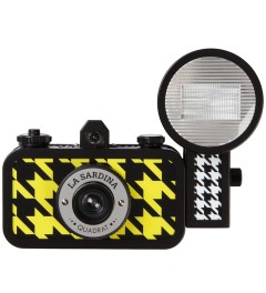 Lomography La Sardina Camera & Flash - Quadrat Picture