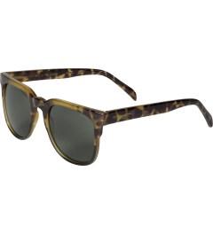 KOMONO Green Tortoise Riviera Sunglasses Model Picutre