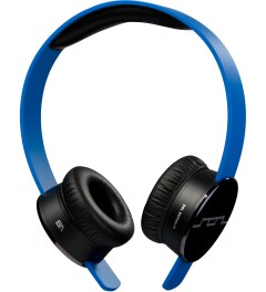 SOL REPUBLIC Blue Tracks MFI Headphones Model Picutre
