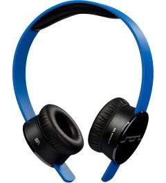 SOL REPUBLIC Blue Tracks MFI Headphones Model Picture