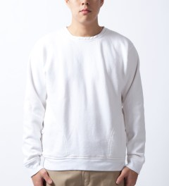 U.S. Alteration White Sweater Model Picture