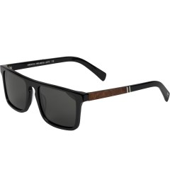 Shwood Grey Polarized Black/Elm Burl Govy2 Sunglasses   Model Picture