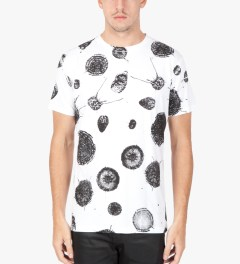Tourne de Transmission White/Black Virus All Over Print T-Shirt Model Picutre