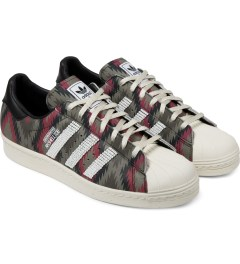 adidas Originals NEIGHBORHOOD x adidas Originals Beige/Red NH Shelltoe Shoes Model Picture