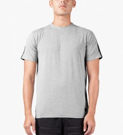 UNYFORME Heather Grey Brian T-Shirt Model Picutre