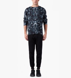 Marcelo Burlon Black/Blue Snake Print Crewneck Sweater Model Picutre