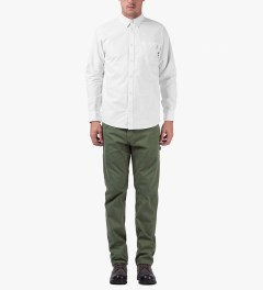 Carhartt WORK IN PROGRESS Glade Green Single Knee Pants II Model Picutre