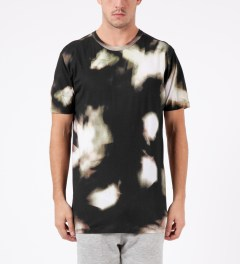 LAPSE Black Dilusion T-Shirt Model Picutre