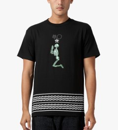 Black Scale Black Land Of The Lost T-Shirt Model Picutre