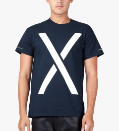 10.Deep Navy Larger Living T-Shirt Model Picutre