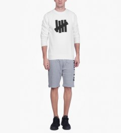 Undefeated White 5 Strike Basic Sweater Model Picutre