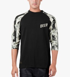 10.Deep Black Slope 3/4 Baseball T-Shirt Model Picutre