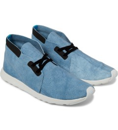 Native Shibori Blue/Shell White Apollo Chukka Dyed Shoes Model Picture