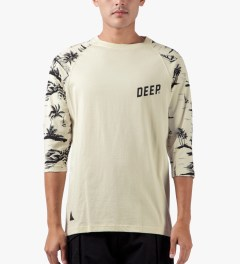 10.Deep Natural Black Sand ¾ Sleeve Baseball T-Shirt Model Picture
