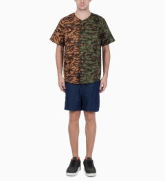UNYFORME Camo Clover Baseball Jersey Model Picture