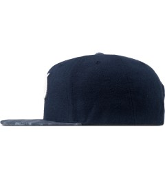 Primitive Heather/Navy Classic P Robble Snapback Cap Model Picutre