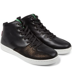 Gourmet Black Snake/White Quattro Skate 2 x Black Scale Shoes Model Picture