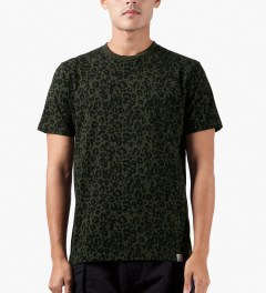 Carhartt WORK IN PROGRESS Olive/Black Panther Print Charly T-Shirt Model Picutre